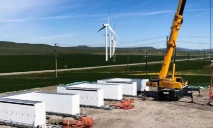 New mega wind farm in Canada, with energy stored in Tesla PowerPacks