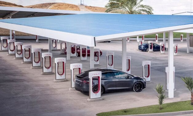 The chief manager of Apple Pay switch to Tesla to deal with the Supercharger user experience