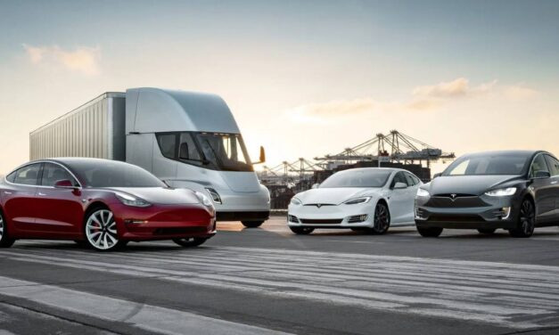 Tesla implements a 5 by 1 stock split. The goal is to increase the number of investors